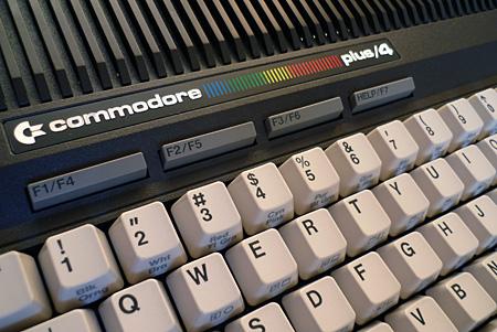 Commodore Plus/4 (dettaglio)