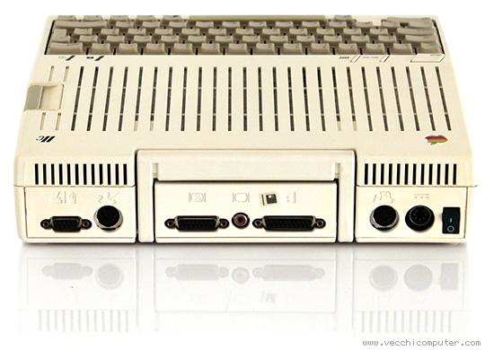 Apple IIc - retr0bright (dopo l'intervento)