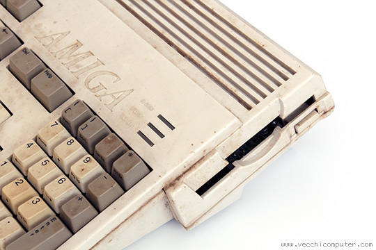 Commodore Amiga 1200 (sporco)