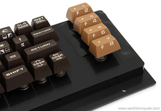 Commodore VIC 20 - tastiera PET style