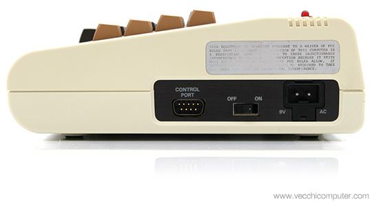Commodore VIC 20 - lato