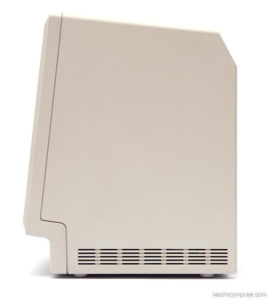 Apple Macintosh Plus - lato
