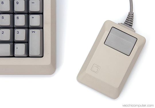 Apple Macintosh Plus - tastiera e mouse