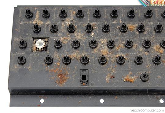Commodore VIC 20 - dettaglio tastiera sporca
