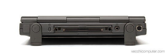 Apple Macintosh PowerBook 2300c - porte