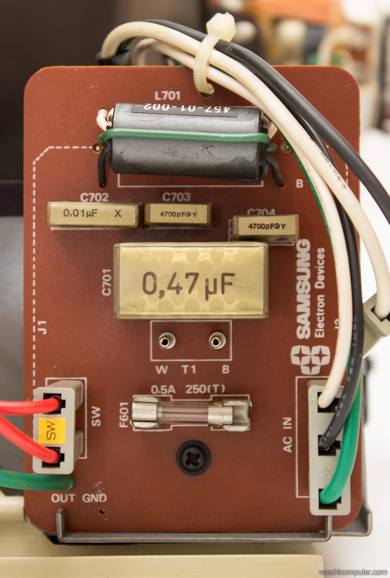 Apple Monitor II - filtri alimentazione