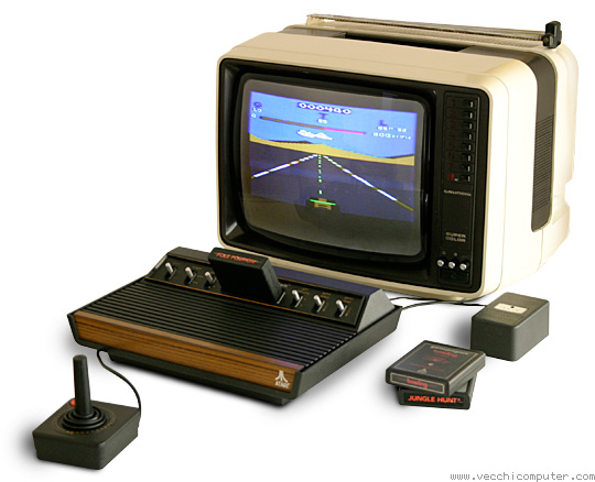 Atari VCS 2600 Video Computer System con la cartuccia Pole Position