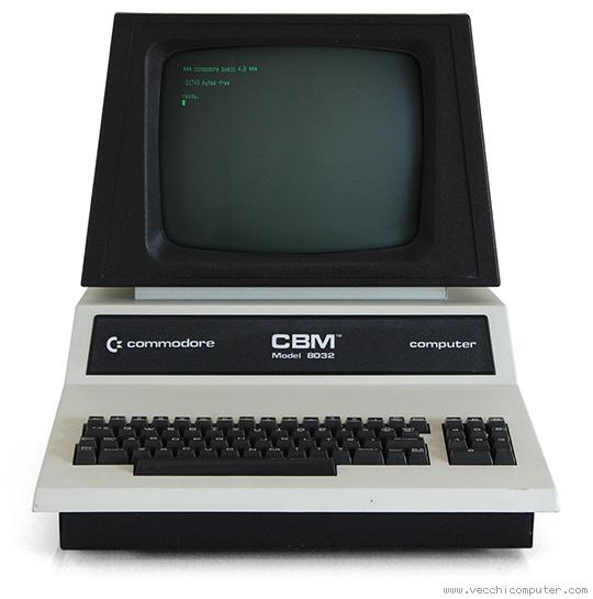 Commodore 8032 (chiuso)