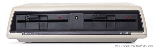 Commodore 8250LP (fronte)