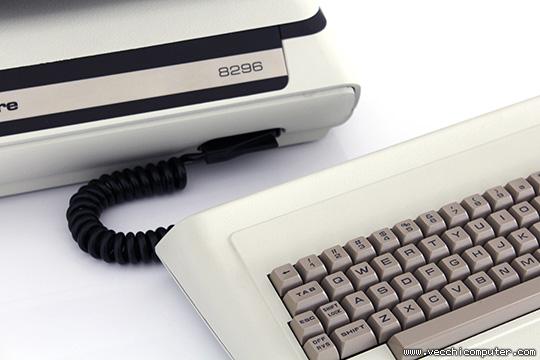 Commodore 8296 (connessione tastiera)