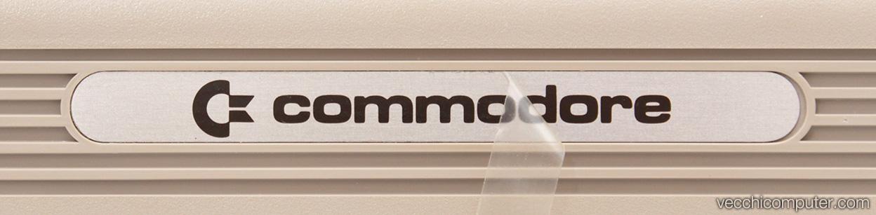Commodore 64 - protezione etichetta Commodore